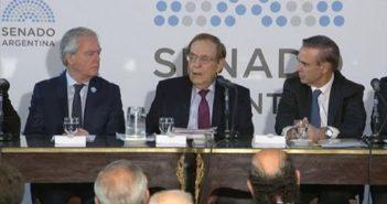 Picheto, Sanz, Pinedo y otros líderes políticos, debatieron sobre la necesidad de grandes acuerdos
