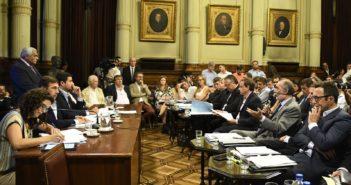 """La Bicameral aprobó el llamado """"megadecreto"""" de Necesidad y Urgencia"""