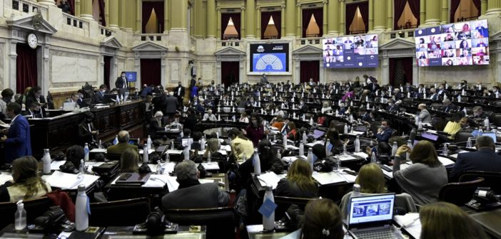 Diputados sesiona con un amplio temario